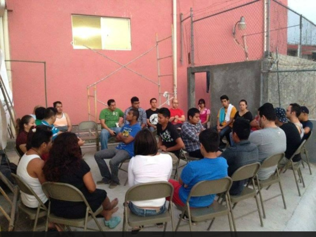 4 Minors & 27 Adults Traveling from Mexico to Laredo Under Sovereign Escort